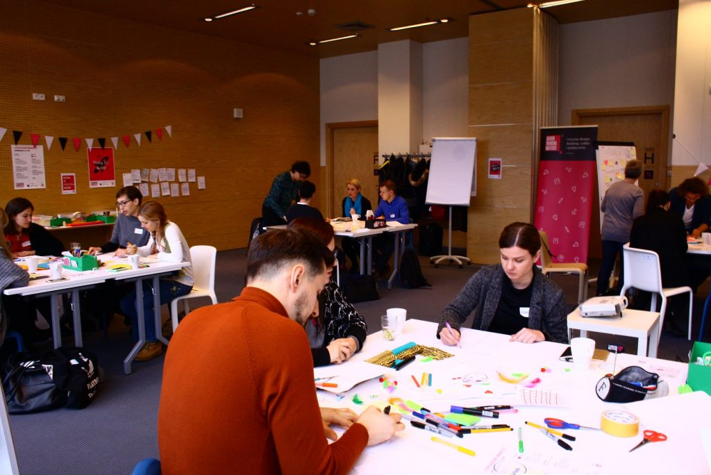 https://designthinkingfest.pl/wp-content/uploads/2019/01/46821442_2807572512601891_5211100909911670784_o.jpg