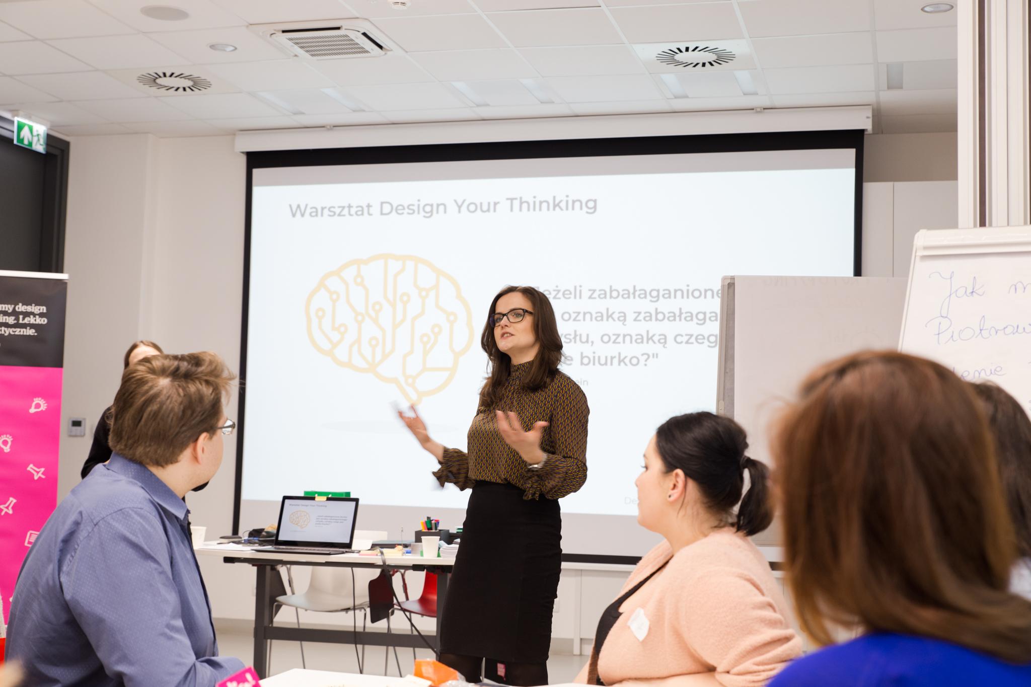 https://designthinkingfest.pl/wp-content/uploads/2019/03/IMG_0070.jpg